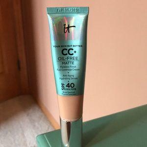 IT cosmetics CC+ cream foundation